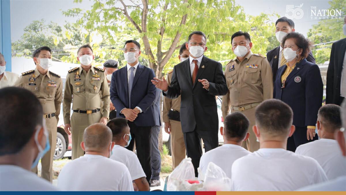 Samut Prakan sends prisoners to work in industrial sector