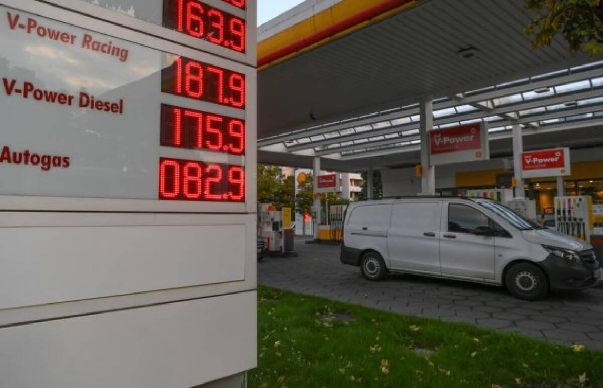 Photo taken on Oct. 8, 2021 shows a gas station in Frankfurt, Germany. (Xinhua/Lu Yang)