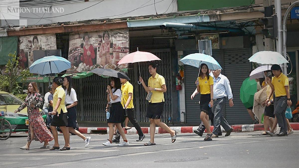 Hot day across Thailand, thundershowers forecast for upper region